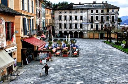 piazza centrale lago d' orta